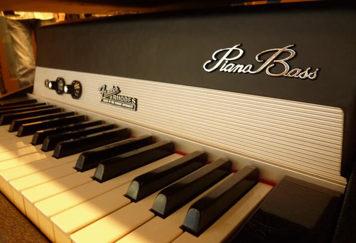フェンダーローズ・ピアノベース